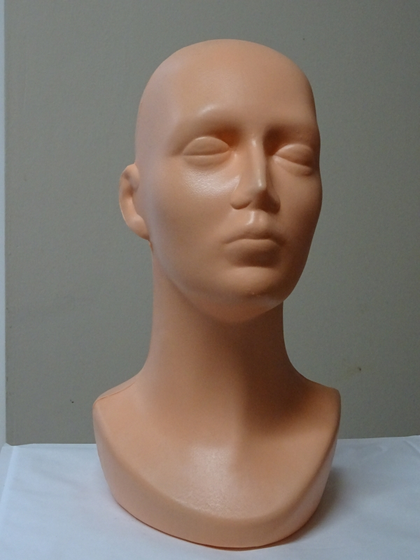 Hlava plastová 33cm
