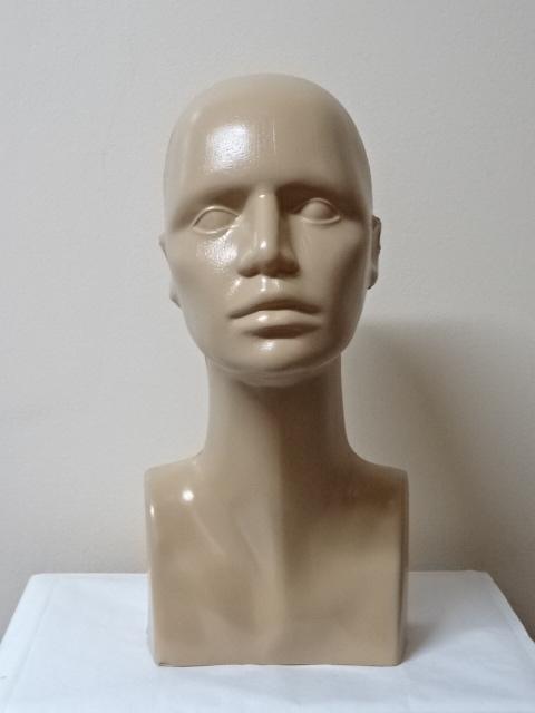 Hlava plastová 38cm béžová